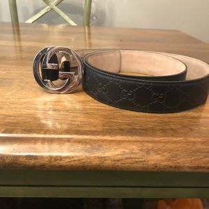 Men's black and silver Gucci belt